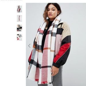 Oversized Scarf in Check